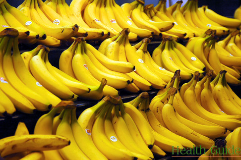 Why nutritionists advice to eat bananas?