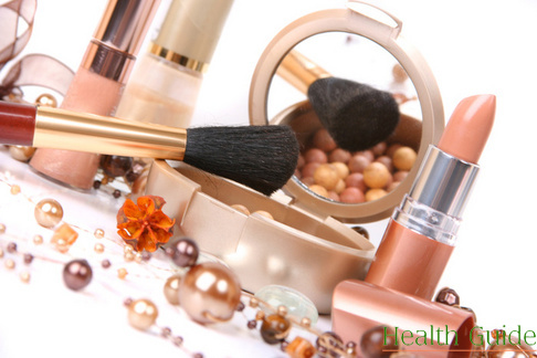 4 myths about about harmful effects of cosmetics