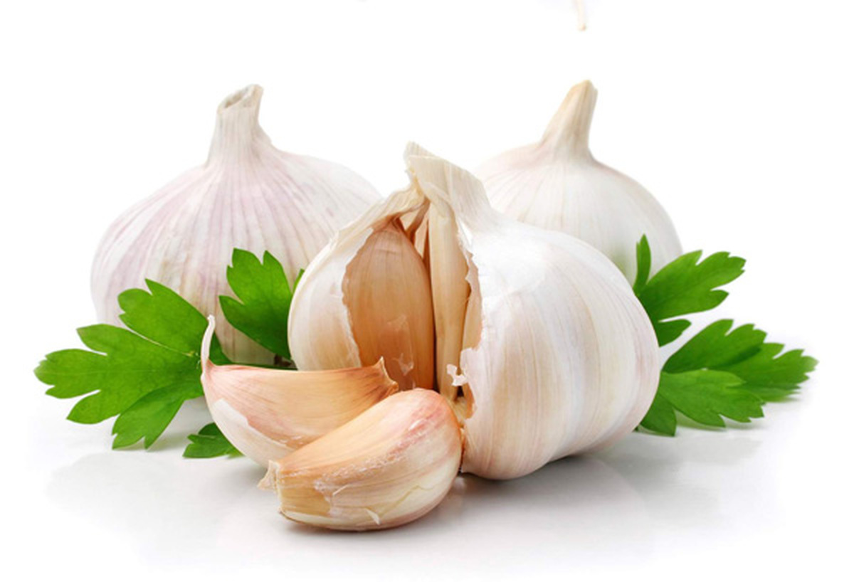 Garlic reduces the risk of developing lung cancer