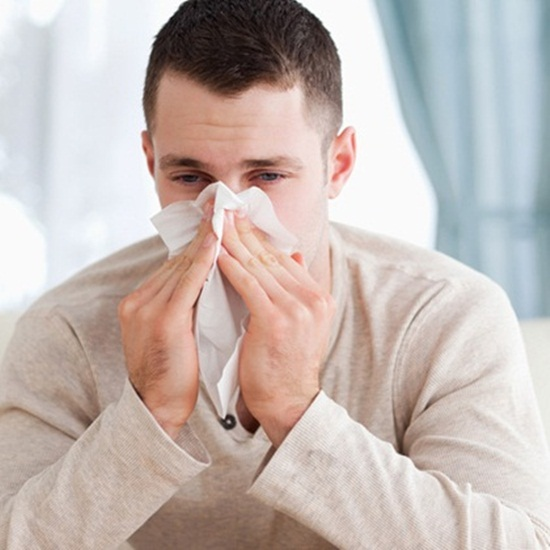 8 tips how to treat runny nose