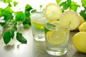 The benefits of water with lemon
