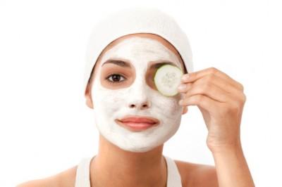 Natural anti-aging yogurt mask