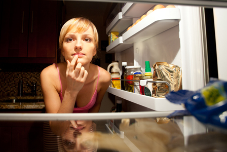 How to fight against overeating at night?